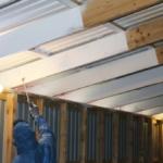 Kondensbekæmpelse sikrer indeklimaet i hønsegården