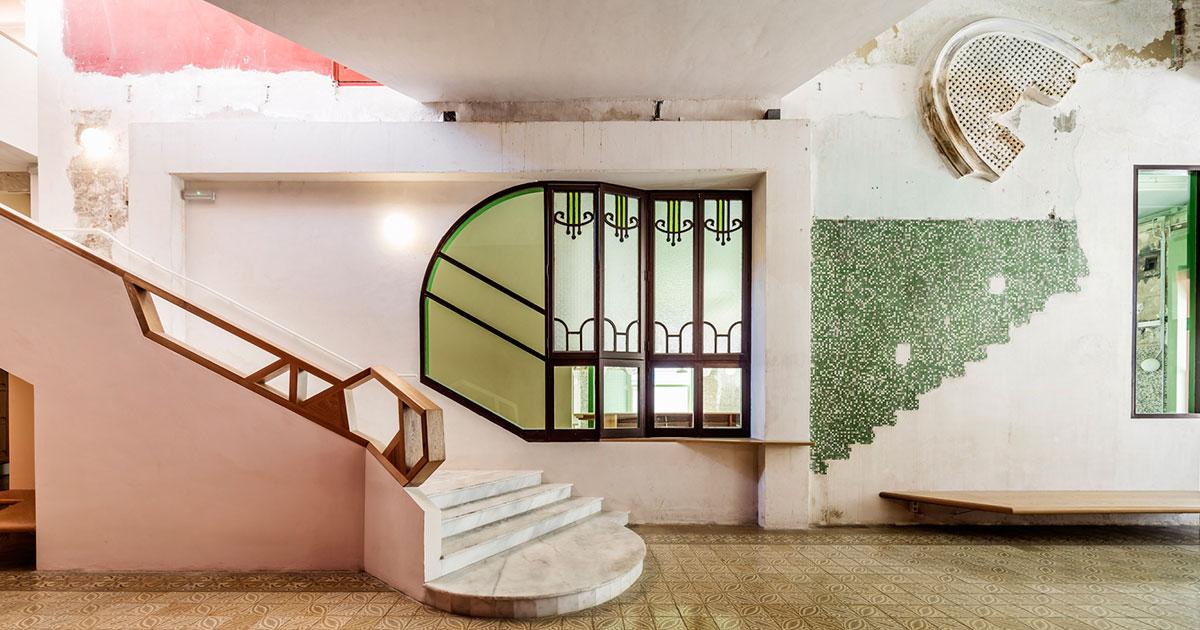 Building Green Aarhus får besøg af Flores fra Barcelona, der er ekspert i renovering af gamle bygninger.